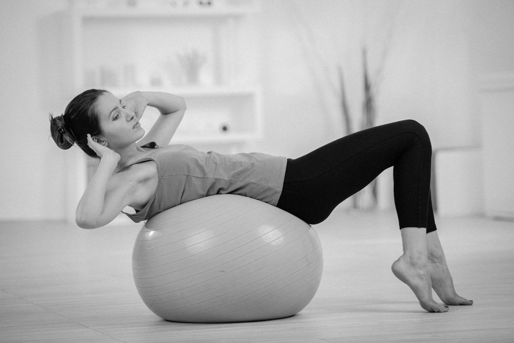 woman ball, physiotherapy treatment, physiotherapy clinic