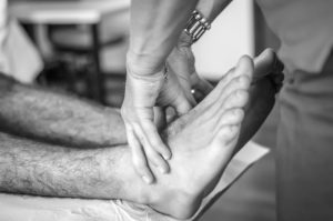 sharp foot pain, numbness and tingling, chiropractor singapore